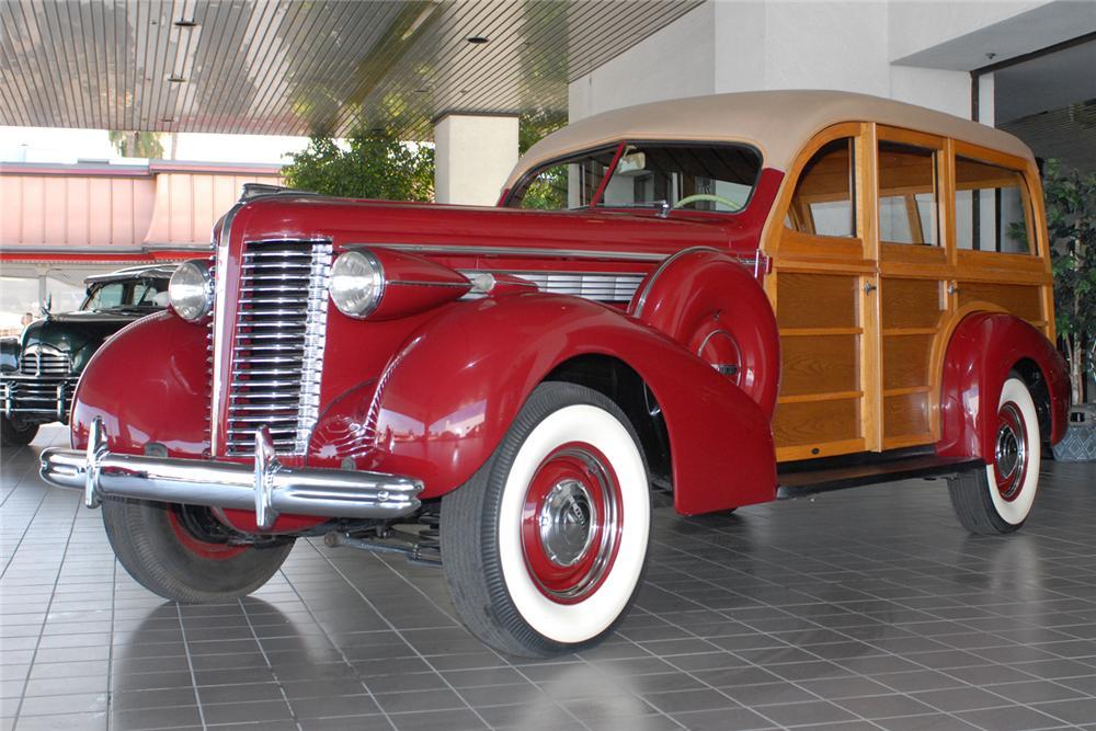 1938 BUICK CENTURY WOODY WAGON - Front 3/4 - 48984