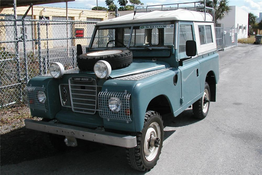 1975 LAND ROVER SERIES 3 SUV - Front 3/4 - 49011