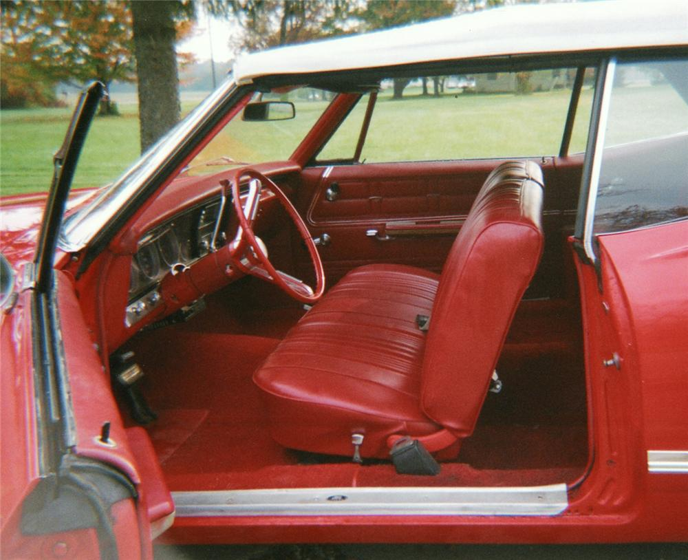 1967 CHEVROLET IMPALA CONVERTIBLE - Interior - 49020