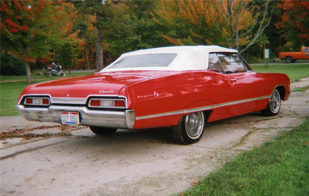 1967 CHEVROLET IMPALA CONVERTIBLE - Rear 3/4 - 49020