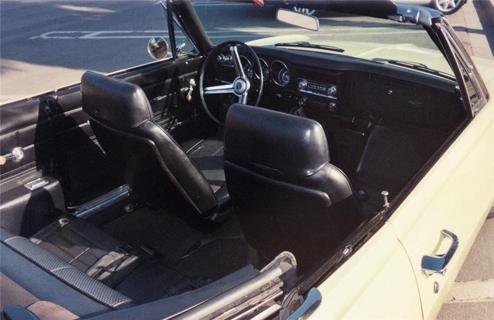 1969 CHEVROLET CORVAIR MONZA CONVERTIBLE - Interior - 49022