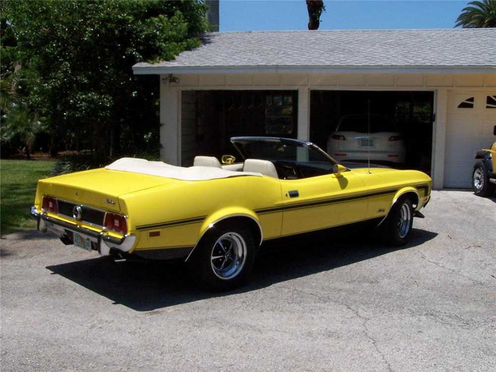 1973 FORD MUSTANG CONVERTIBLE - Rear 3/4 - 49023