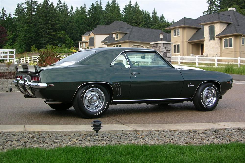 1969 CHEVROLET CAMARO Z/28 COUPE - Front 3/4 - 49028
