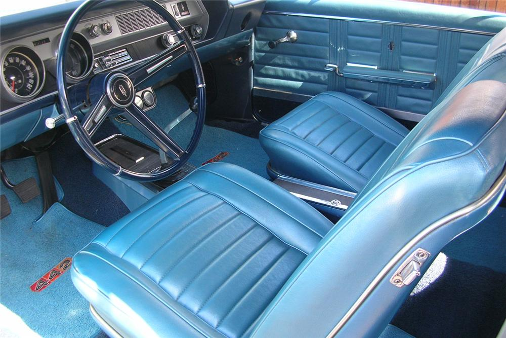1967 OLDSMOBILE 442 CONVERTIBLE - Interior - 49035