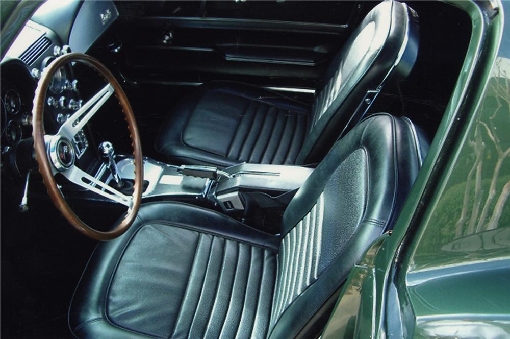 1967 CHEVROLET CORVETTE COUPE - Interior - 49039