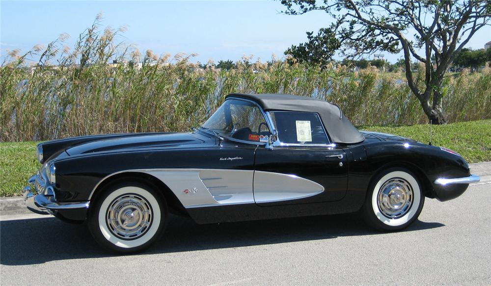 1959 CHEVROLET CORVETTE CONVERTIBLE - Front 3/4 - 49091