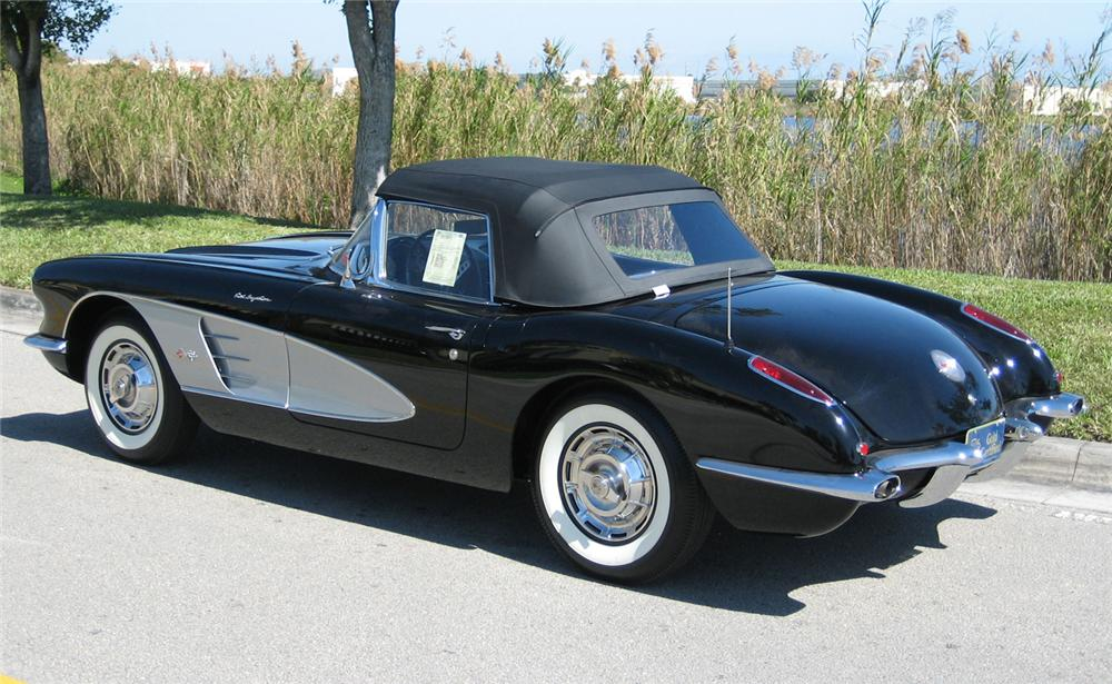 1959 CHEVROLET CORVETTE CONVERTIBLE - Rear 3/4 - 49091
