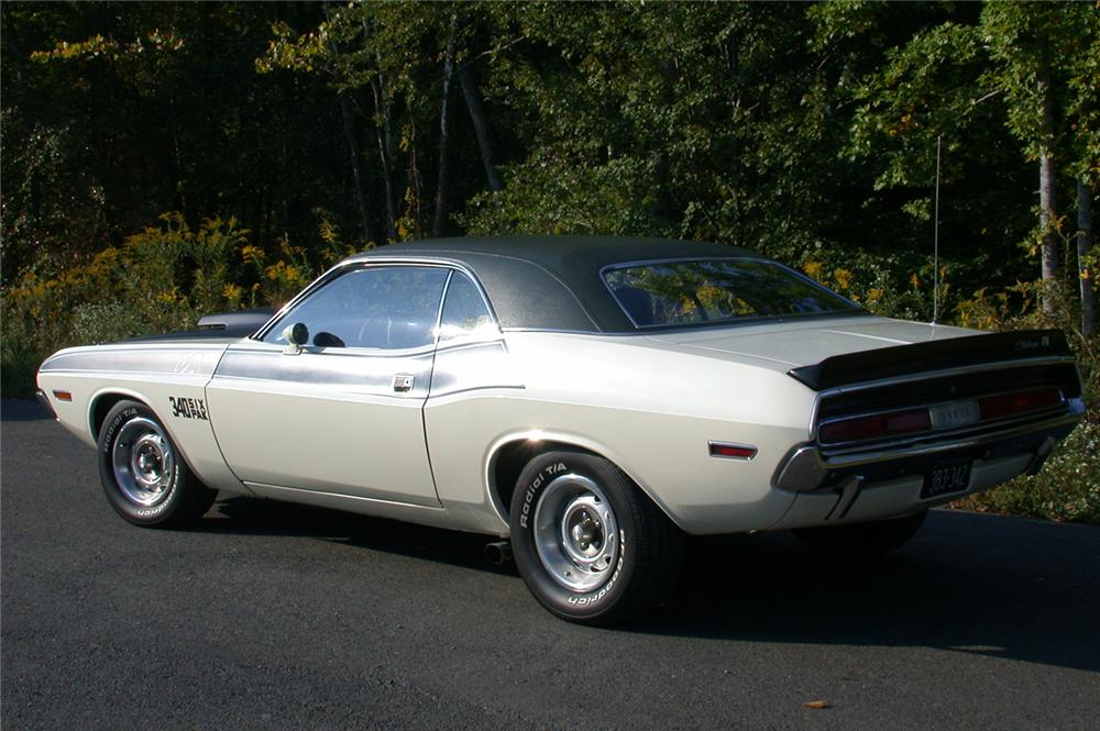 1970 DODGE CHALLENGER T/A 2 DOOR HARDTOP - Rear 3/4 - 49114