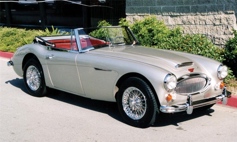 1966 AUSTIN-HEALEY 3000 MARK III BJ8 2+2 SPORTS CONVERTIBLE - Front 3/4 - 49118