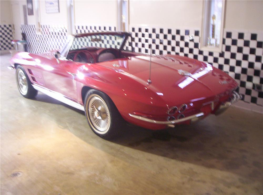 1963 CHEVROLET CORVETTE CONVERTIBLE - Rear 3/4 - 49129
