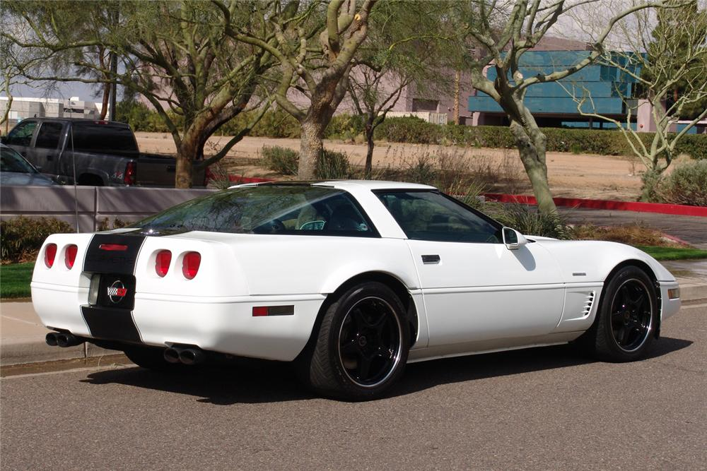 1995 CHEVROLET CORVETTE CUSTOM COUPE - Rear 3/4 - 49136