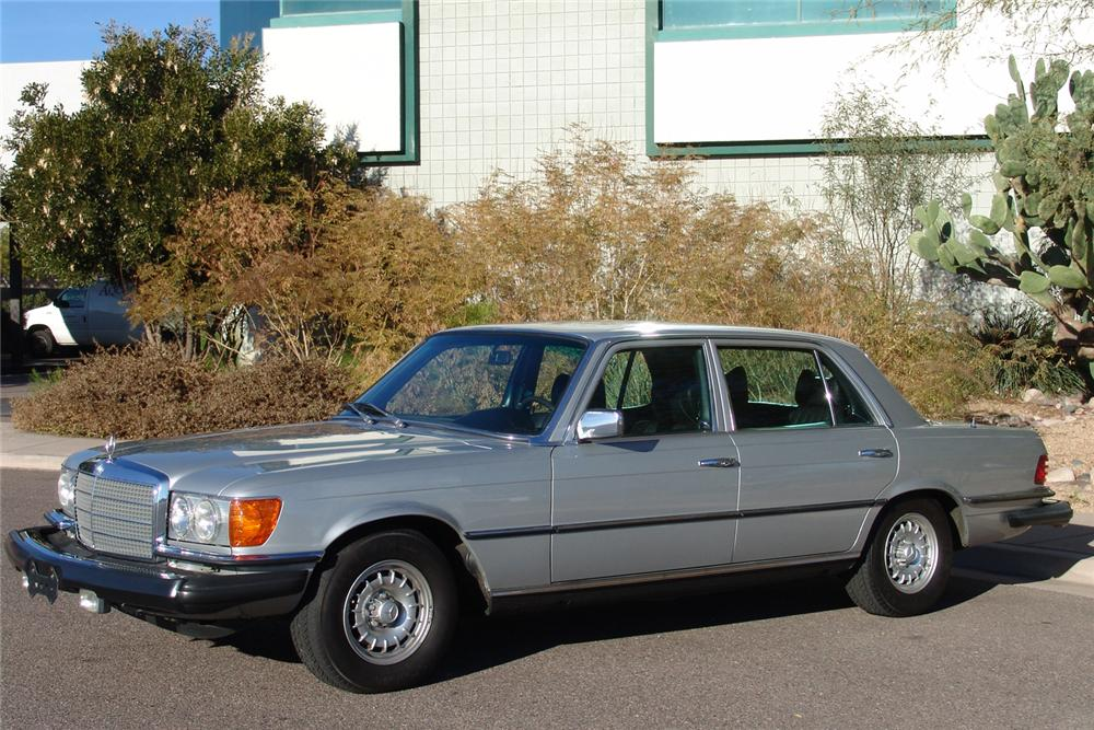 1978 MERCEDES-BENZ 6.9 4 DOOR SEDAN - Front 3/4 - 49142