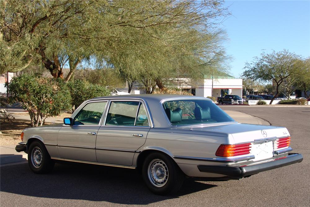 1978 MERCEDES-BENZ 6.9 4 DOOR SEDAN - Rear 3/4 - 49142