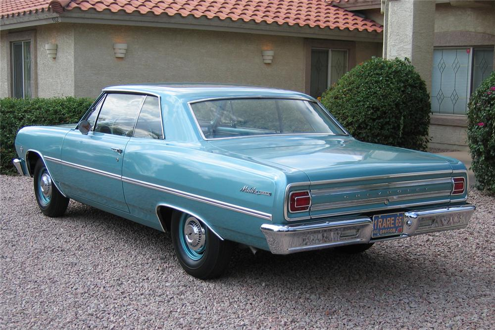 1965 CHEVROLET MALIBU 2 DOOR HARDTOP - Rear 3/4 - 49143