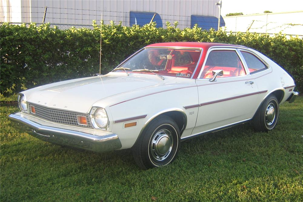 1976 FORD PINTO COUPE - Front 3/4 - 49252