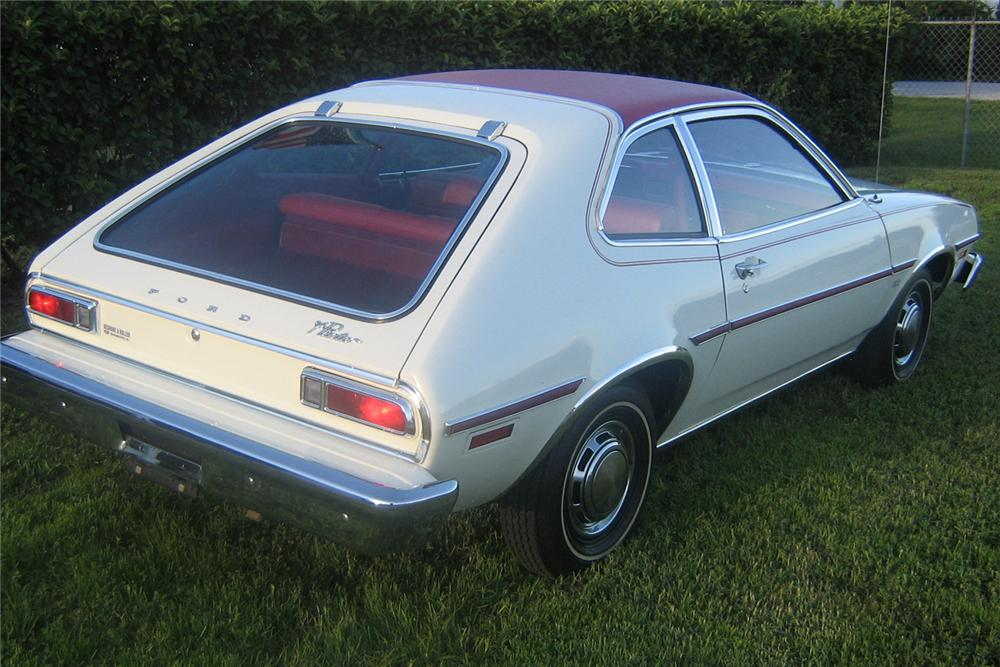 1976 FORD PINTO COUPE - Rear 3/4 - 49252