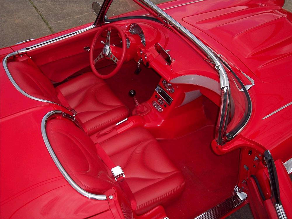 1962 CHEVROLET CORVETTE CUSTOM CONVERTIBLE - Interior - 49268