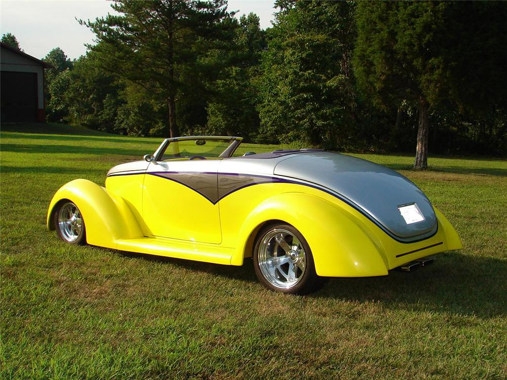 1939 FORD CUSTOM 2 DOOR CONVERTIBLE - Rear 3/4 - 49280