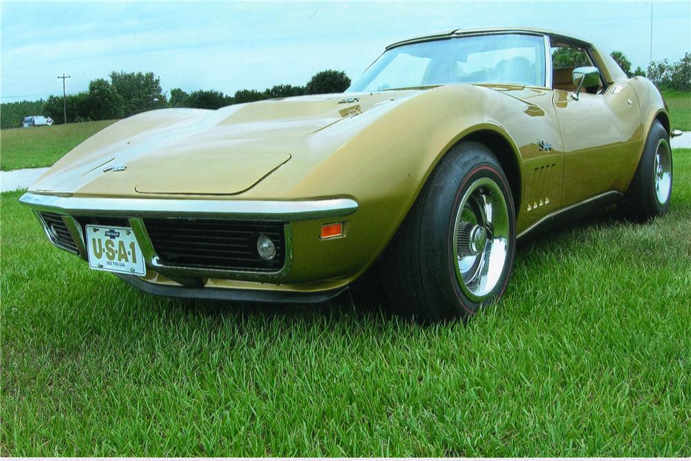 1969 CHEVROLET CORVETTE COUPE - Front 3/4 - 49284