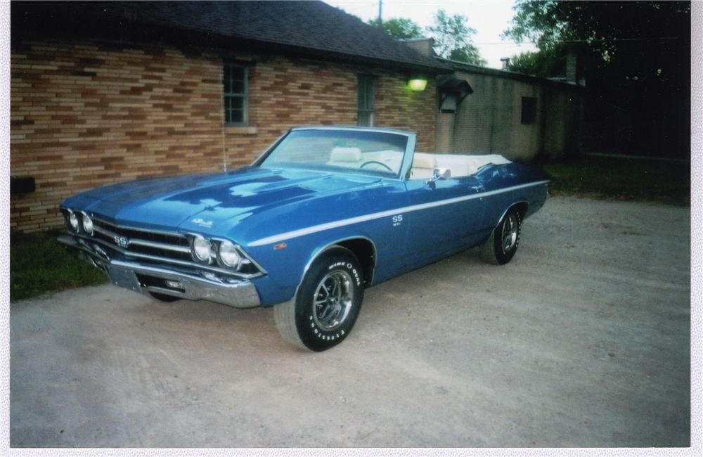 1969 CHEVROLET CHEVELLE SS 396 CONVERTIBLE - Front 3/4 - 49344