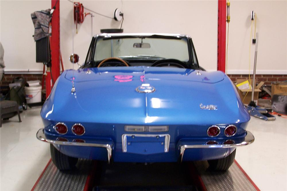 1967 CHEVROLET CORVETTE CONVERTIBLE - Rear 3/4 - 49347