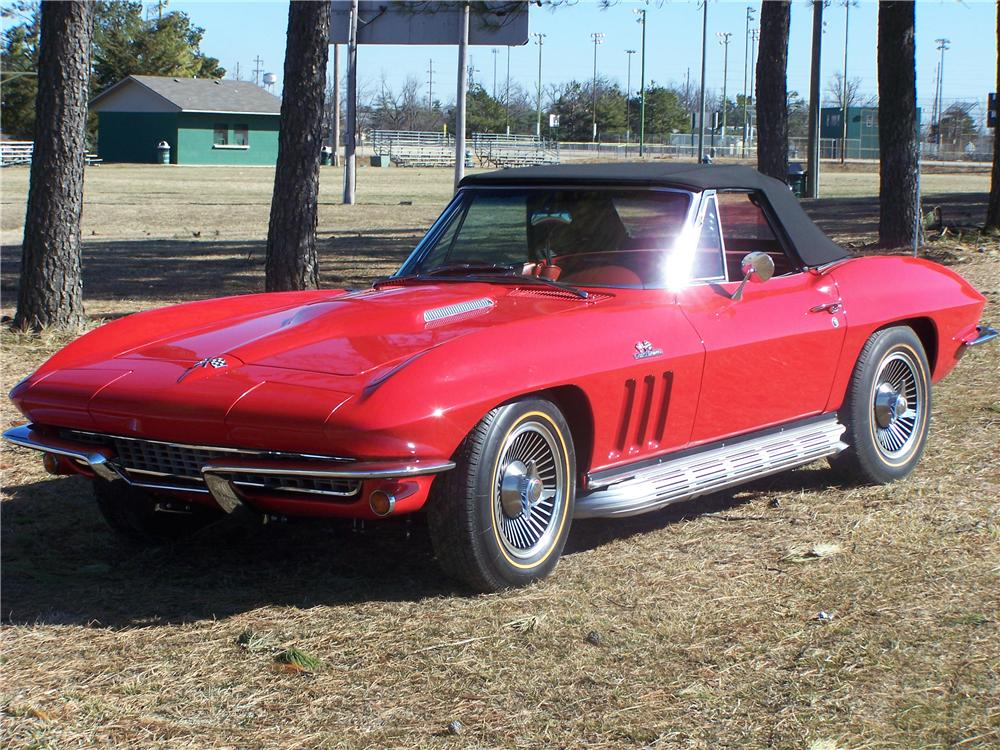 1966 CHEVROLET CORVETTE CONVERTIBLE - Front 3/4 - 49375