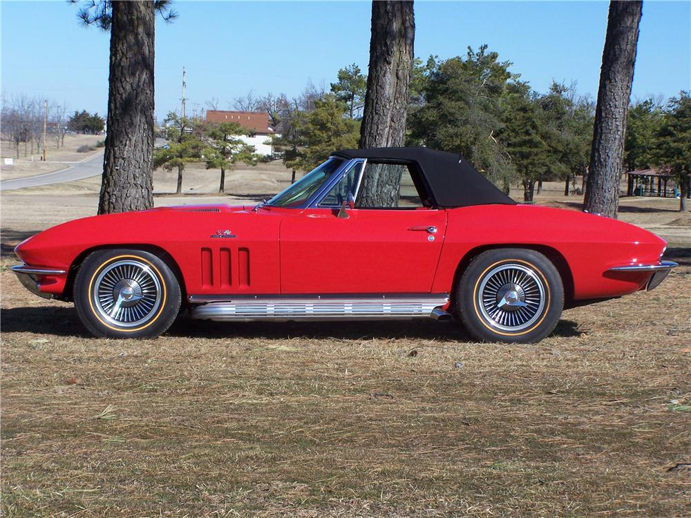 1966 CHEVROLET CORVETTE CONVERTIBLE - Side Profile - 49375