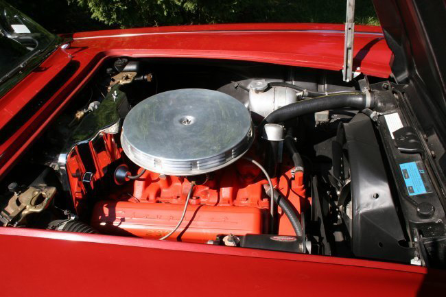 1961 CHEVROLET CORVETTE CONVERTIBLE - Engine - 49378