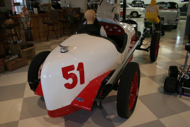 1931 FORD INDY RACE CAR RE-CREATION - Rear 3/4 - 49381