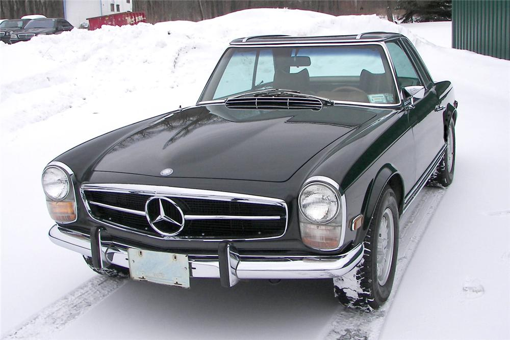 1969 MERCEDES-BENZ 280SL CONVERTIBLE - Front 3/4 - 49384