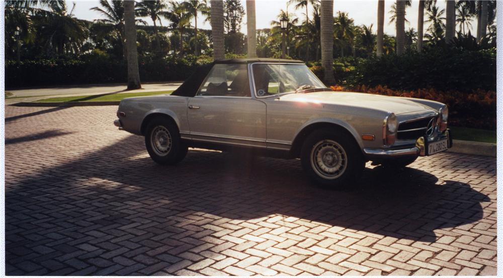 1971 MERCEDES-BENZ 280SL CONVERTIBLE - Front 3/4 - 49392