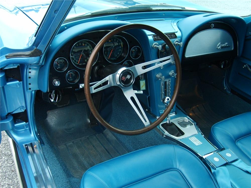1965 CHEVROLET CORVETTE COUPE - Interior - 49400