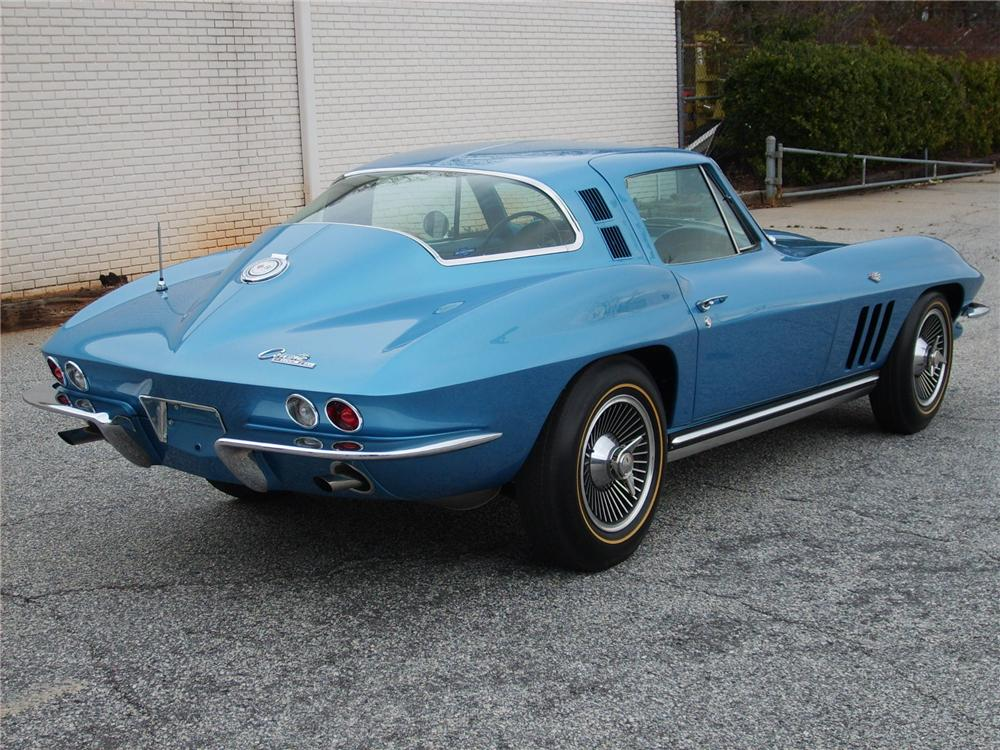1965 CHEVROLET CORVETTE COUPE - Rear 3/4 - 49400