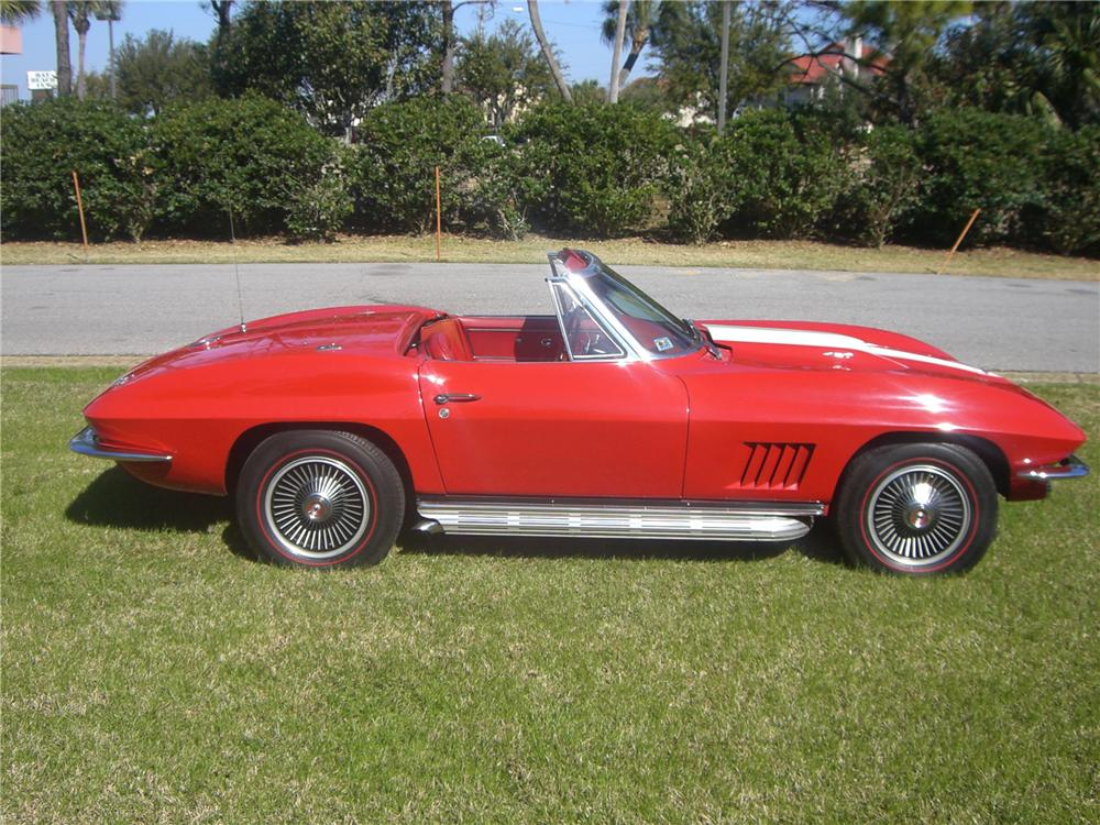 1967 CHEVROLET CORVETTE CONVERTIBLE - Side Profile - 49413