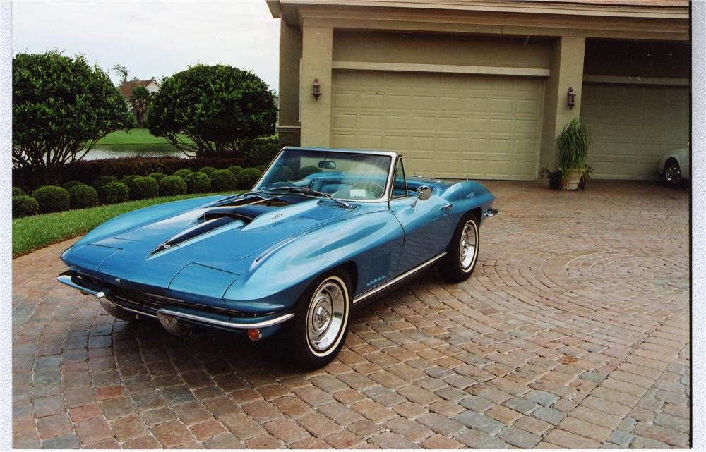 1967 CHEVROLET CORVETTE CONVERTIBLE - Front 3/4 - 49434