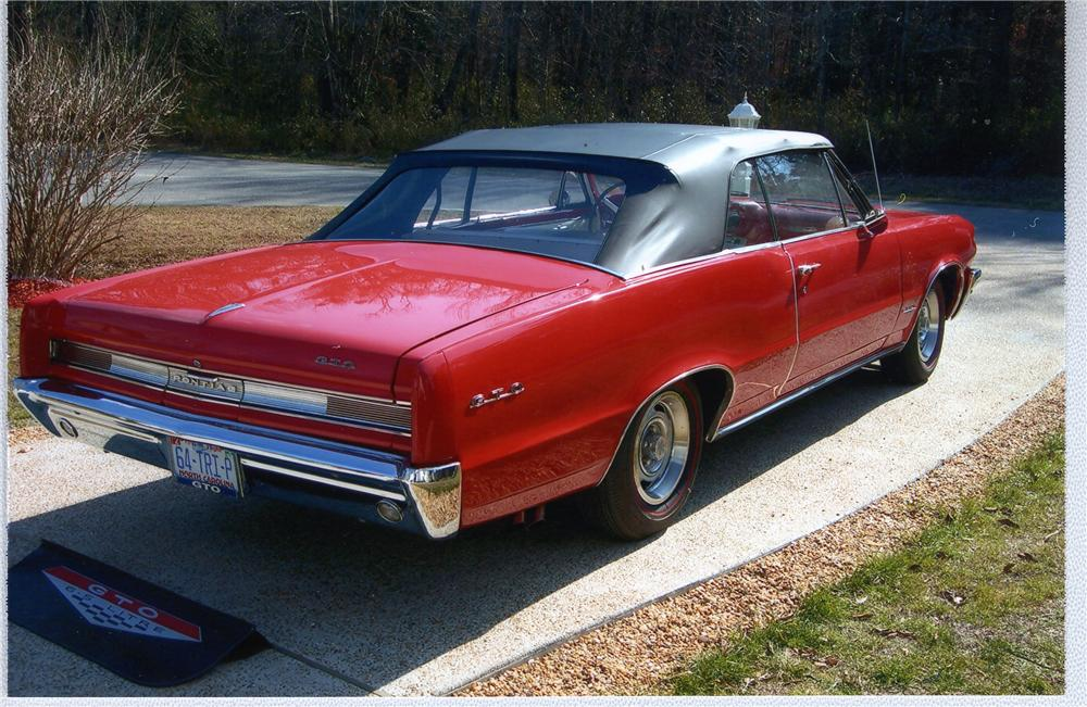 1964 PONTIAC GTO CONVERTIBLE - Rear 3/4 - 49437