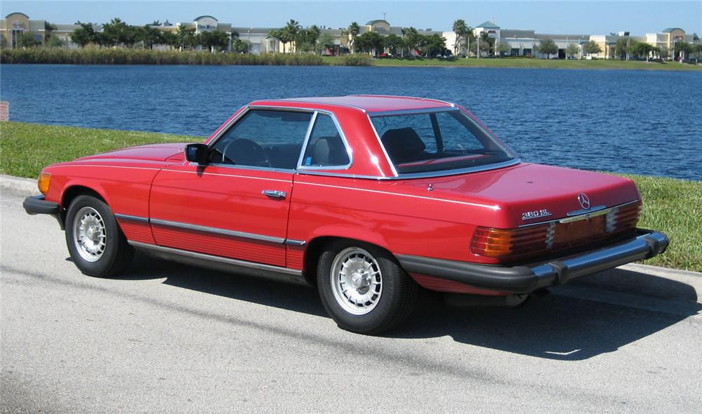 1982 MERCEDES-BENZ 380SL CONVERTIBLE - Rear 3/4 - 49454