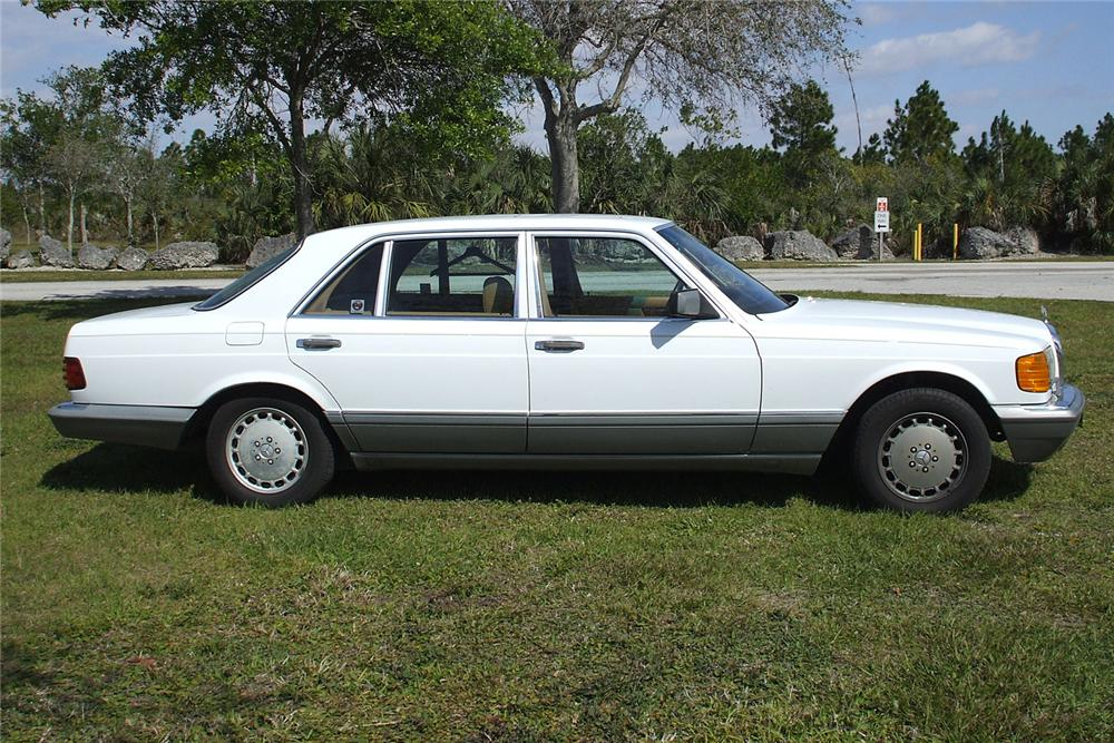 1988 MERCEDES-BENZ 560SEL SEDAN - Side Profile - 49462