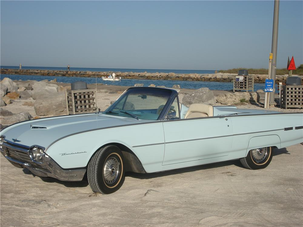 1962 FORD THUNDERBIRD CONVERTIBLE - Front 3/4 - 49469