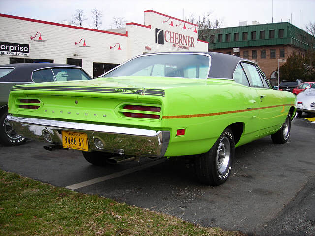 1970 PLYMOUTH ROAD RUNNER 2 DOOR HARDTOP - Rear 3/4 - 49471