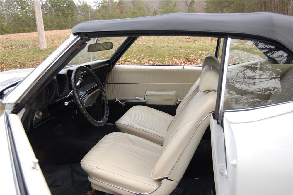 1969 OLDSMOBILE CUTLASS W31 HOLIDAY CONVERTIBLE - Interior - 49477