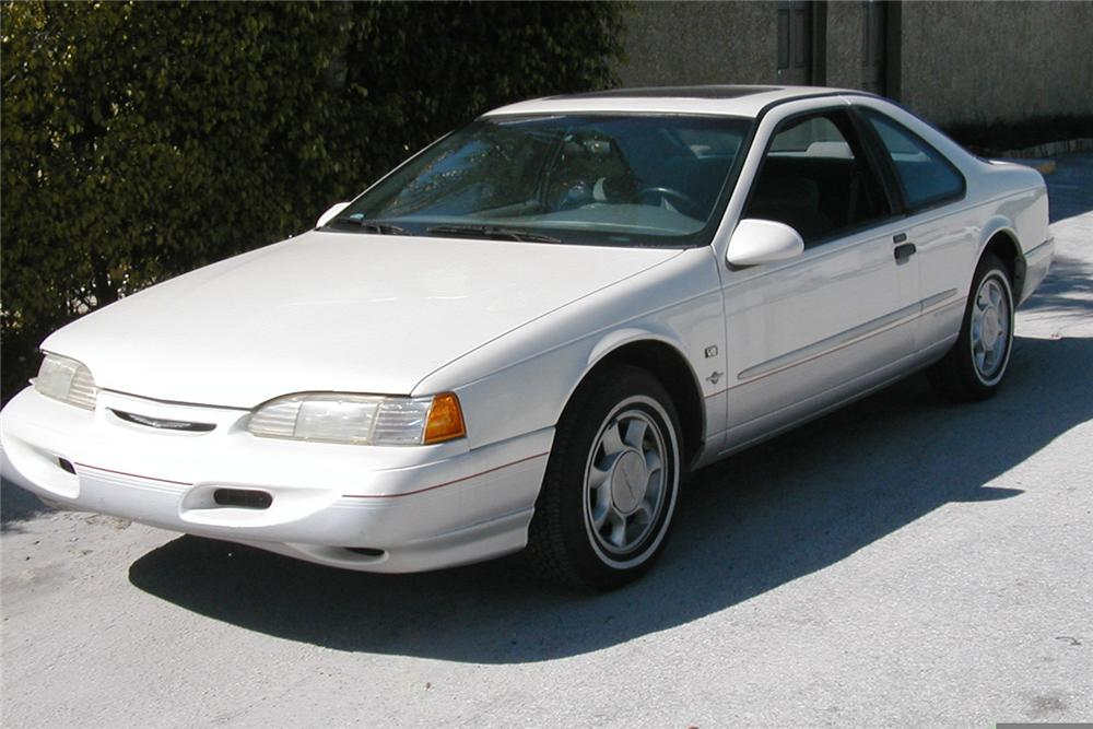 1995 FORD THUNDERBIRD COUPE - Front 3/4 - 49479