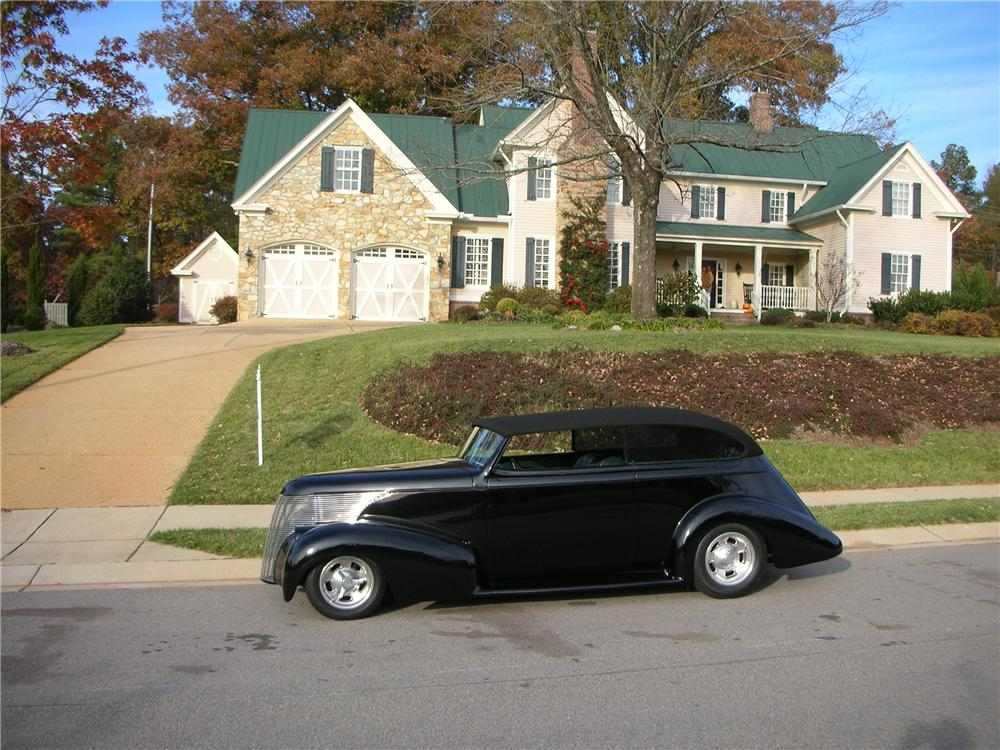 "1939 CHEVROLET CUSTOM 2 DOOR SEDAN ""ELLIOT"" - Side Profile - 49480"