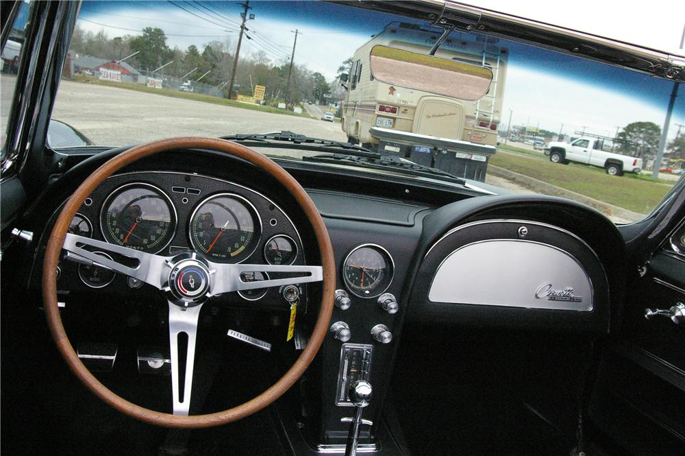 1965 CHEVROLET CORVETTE CONVERTIBLE - Interior - 49529