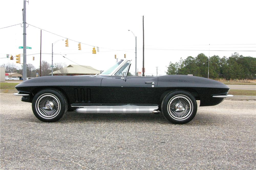 1965 CHEVROLET CORVETTE CONVERTIBLE - Side Profile - 49529