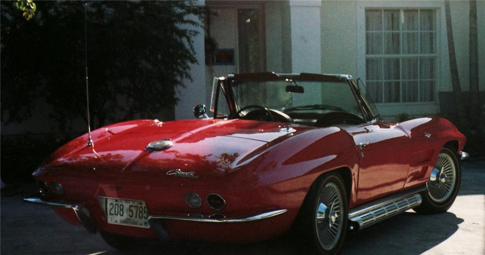 1964 CHEVROLET CORVETTE CONVERTIBLE - Rear 3/4 - 49557