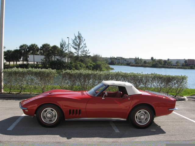 1968 CHEVROLET CORVETTE CONVERTIBLE - Side Profile - 49565