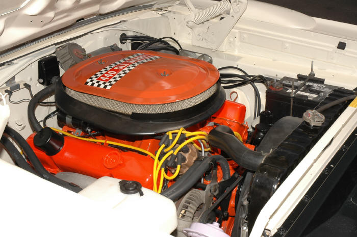 1970 PLYMOUTH SUPERBIRD 2 DOOR - Engine - 49585
