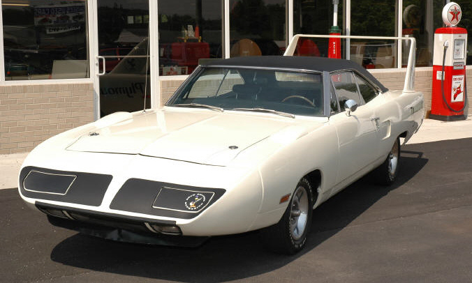 1970 PLYMOUTH SUPERBIRD 2 DOOR - Front 3/4 - 49585