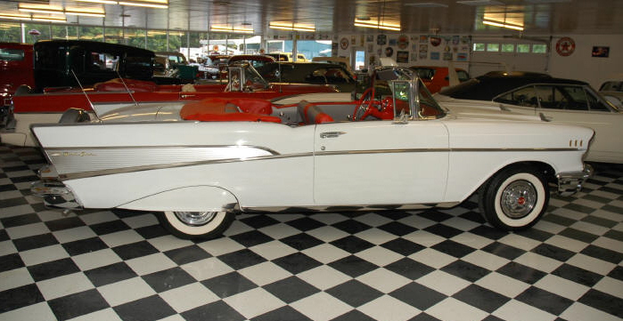 1957 CHEVROLET BEL AIR CONVERTIBLE - Front 3/4 - 49592